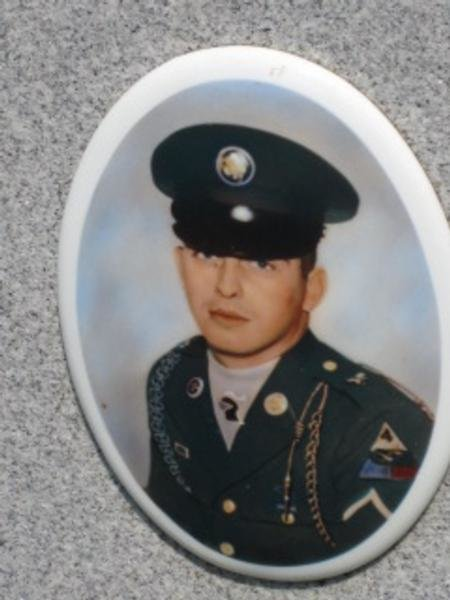 Virtual Vietnam Veterans Wall of Faces JAMES M KELLY ARMY