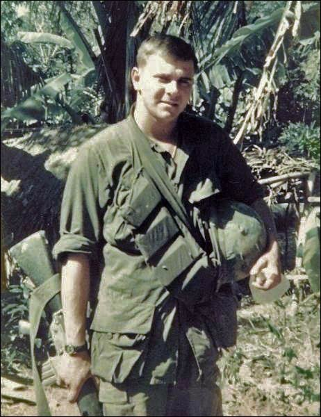 Virtual Vietnam Veterans Wall Of Faces Douglas E Long Army